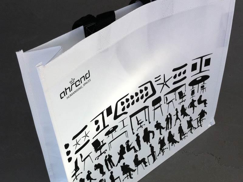 Ontwerp papieren draagtas voor Ahrend met design-structuur