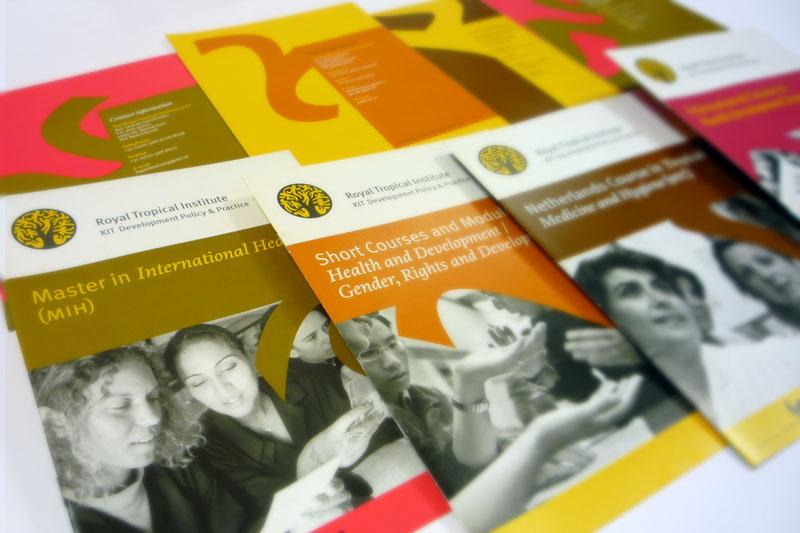 ontwerp van serie folders en brochures KIT