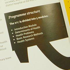 detail typografie en vormentaal folder KIT ontwerp Carmen Nutbey